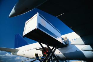 Aero Consulting - Formation ULD Unit Load Device - Le fret aérien tend à utiliser davantage le transport intermodal qui fait intervenir plus d'un mode de transport, par exemple avion, camion, train ou bateau. Des dispositifs spéciaux sont souvent utilisés