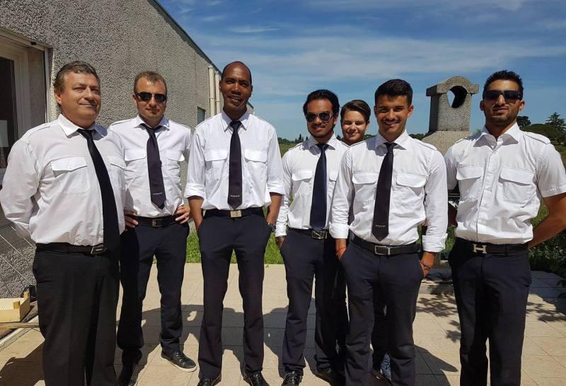Aero Consulting Formations aéronautiques - Des élèves formés dans le monde entier Les études d'aéronautique ont une réputation de prestige bien ancrée. Les métiers de l'aéronautique nécessitent des connaissances techniques très poussées pour la conception