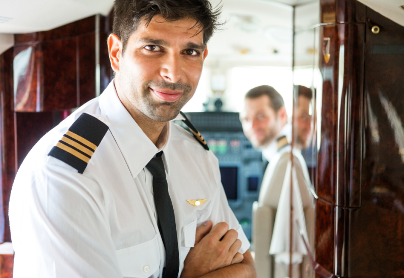 Aero Consulting Formations aéronautiques La majorité de nos élèves sont des étudiants étrangers venant du monde entier. Nous proposons des cours structurés qui leur offrent le meilleur environnement possible pour un apprentissage théorique et pratique au