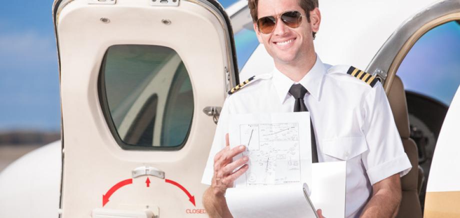 Aero Consulting - Une formation aéronautique théorique et pratique à San Diego - CA Expérience ! Confiance ! Expertise ! Un candidat au métier de pilote peut, s'il le souhaite, autofinancer la totalité de sa formation de pilote de ligne. Il existe en Fran