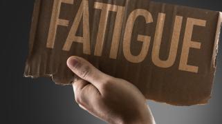 Programme de la formation Systèmes de Gestion de la Sécurité Risque Fatigue SGS - Expliciter les réglementations et obligations inhérentes à la gestion de la fatigue.  Approfondir les connaissances du facteur fatigue et de sa gestion.  Fournir les princip