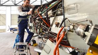 Aero Consulting - Formation Aéronautique EWIS - Aircraft Electrical Wiring Interconnexion System - A qui s'adresse la formation : Sont concernées toutes les personnes impliquées de près ou de loin dans les opérations de maintenance dans ou à proximité des