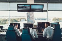 AERO CONSULTING Formations Aéronautiques Techniques - Formation Flight Dispatcher Régulateur de vol - A qui s'adresse la formation - Cette formation s'adresse aux professionnels Régulateur du vol ou Flight Dispatcher et Flight Operation Dispatcher